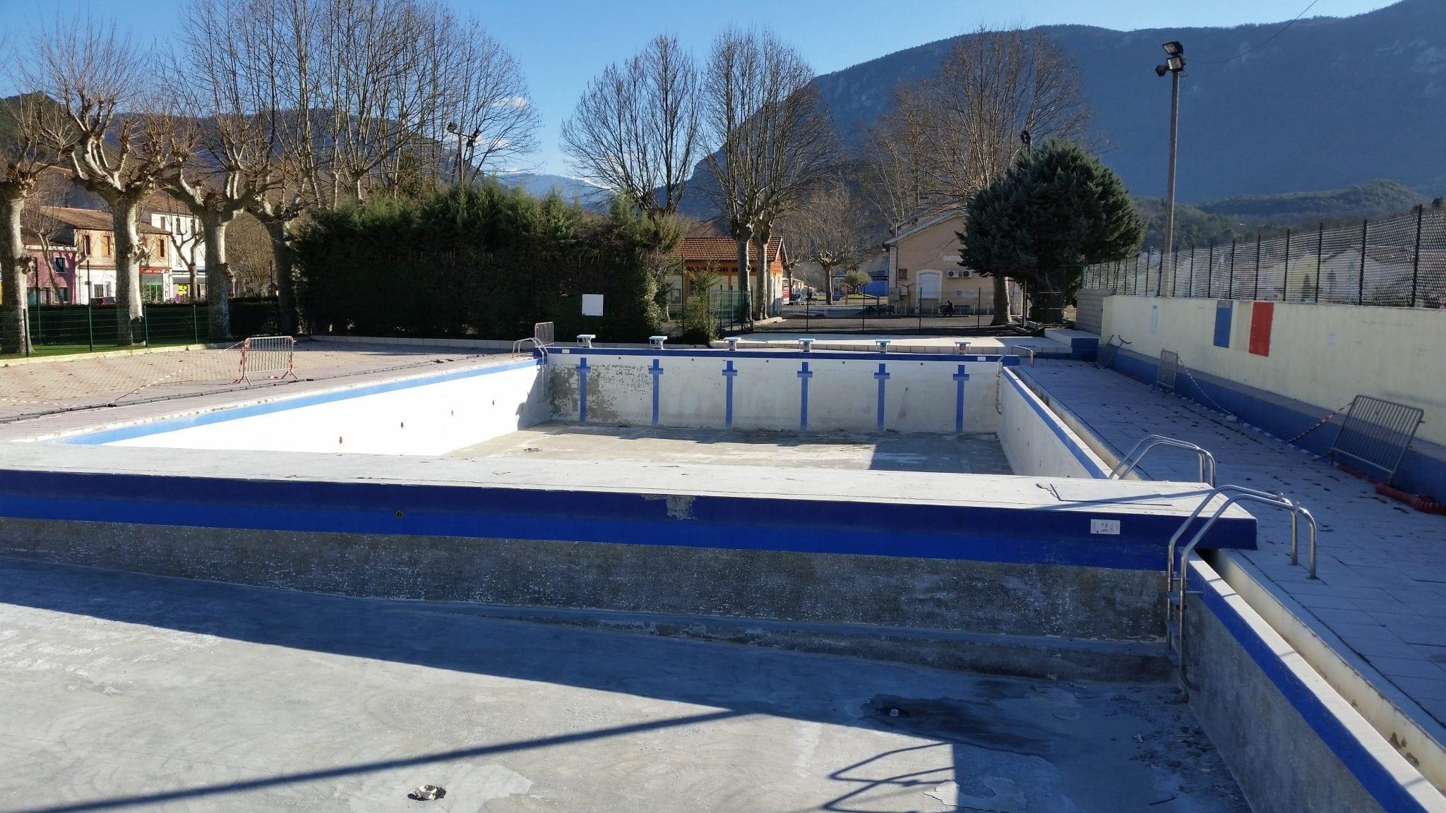 Rénovation d'une piscine municipale réalisée par BTV, spécialiste de la rénovation de piscine à Narbonne (11)